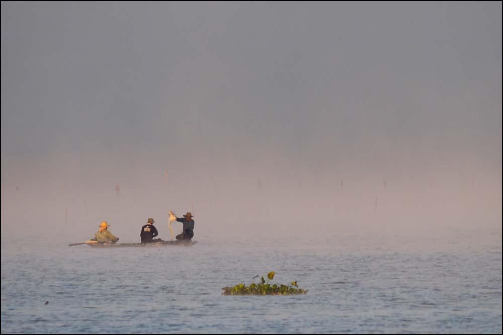 17-1846 Fiskare i morgondimman PYO.jpg