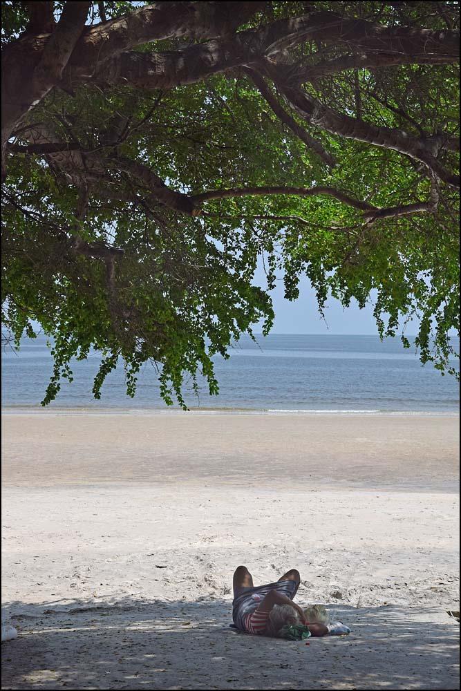 18-1555 Siesta vid stranden PKK.jpg