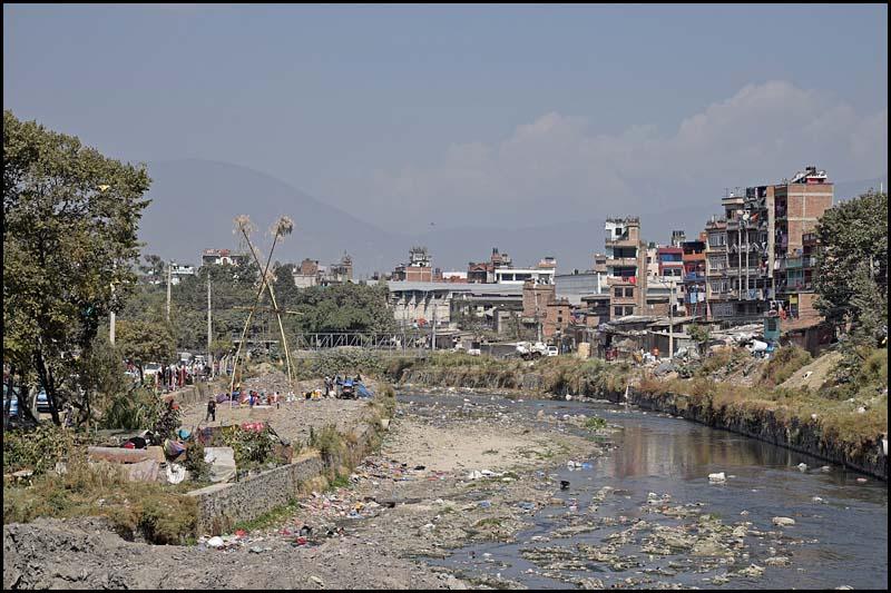 18-1697 Bishnumati River mot Teku KTM.jpg