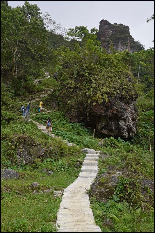 18-2426 Leden till Kandungaw Peak CEB.jpg