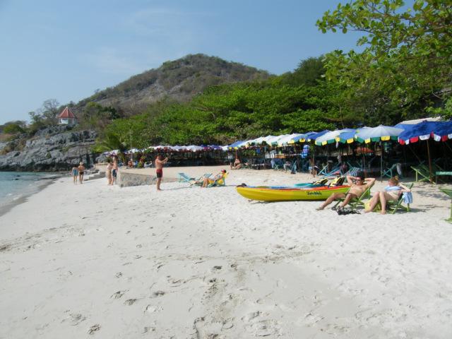 207-373-beach-koh-sichang-thailand-1.jpg