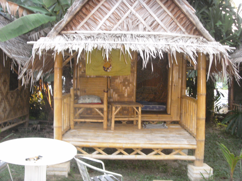 bamboo bungalow (3).JPG