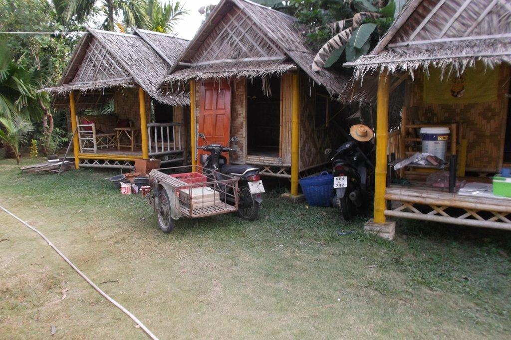 Bamboo bungalow (4).JPG